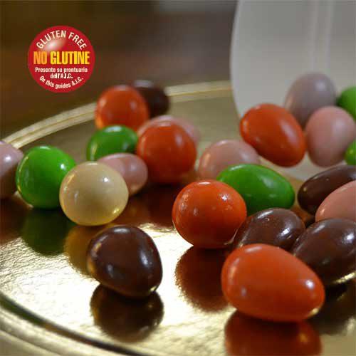 Confetti colorati al cioccolato mandorle e nocciole
