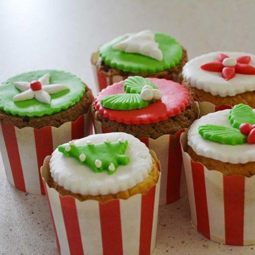 Mini Cupcakes con decorazioni natalizie