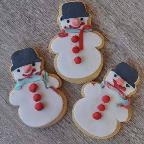Biscotti decorati con zucchero pupazzo di neve - senza lattosio