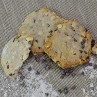 Biscotti ai cereali con gocce di cioccolato