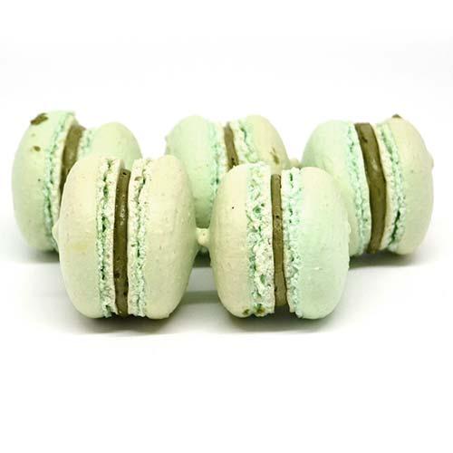 macarons artigianali, senza glutine e senza lattosio ripieni di crema al pistacchio