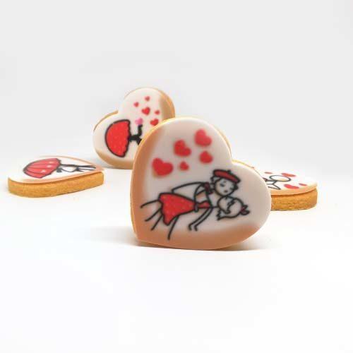 Biscotti stampati con immagini di innamorati