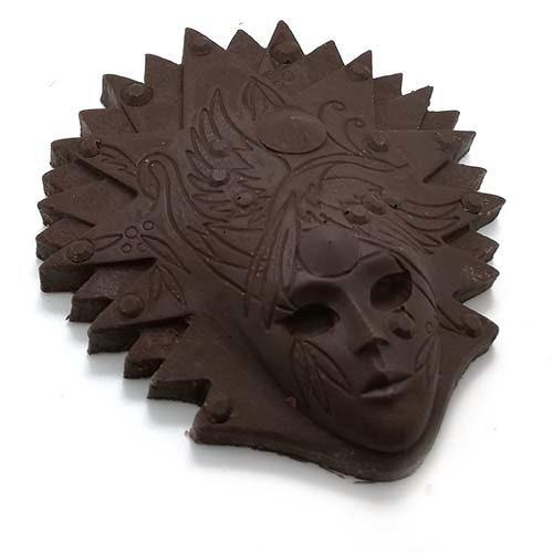 Mascherina di carnevale fatta di cioccolato