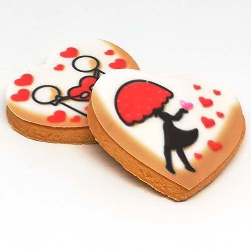 romantici biscotti di pasta frolla senza lattosio a forma di cuore con 4 stampe diverse di innamorati